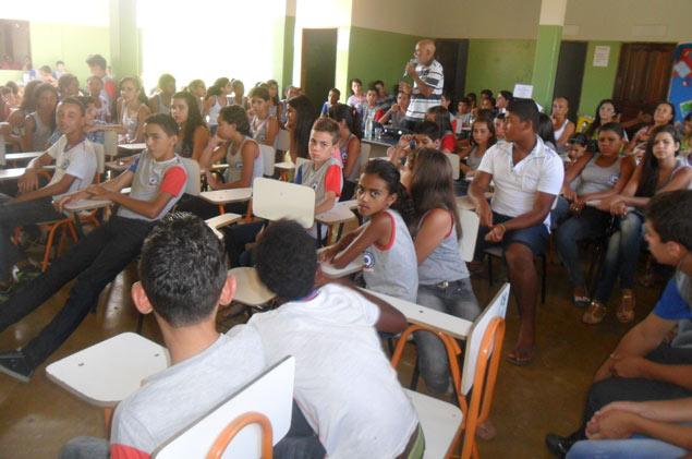 Escola Dr Nelson José Leal , do povoado de Itanagé, em Livramento